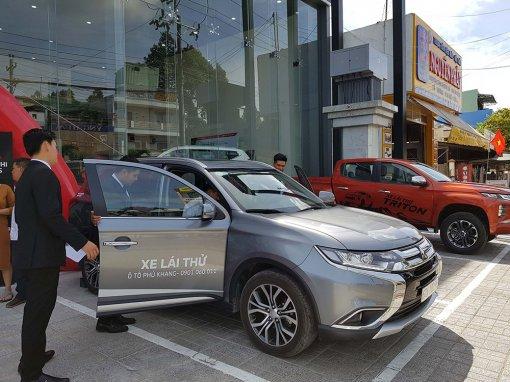 Trải nghiệm lái thử Mitsubishi tại Phú Khang