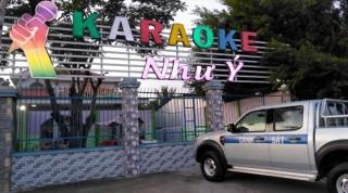 Nhóm thanh niên phê ma tuý giấu thuốc lắc quanh quán karaoke