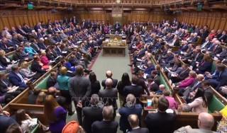 Kế hoạch của Thủ tướng Anh kéo dài kỳ nghỉ Quốc hội vấp phải nhiều thách thức mới