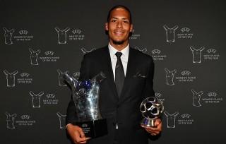 Virgil Van Dijk đi vào lịch sử UEFA