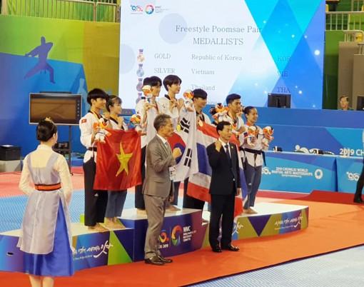 Hứa Văn Huy và Châu Tuyết Vân giành huy chương bạc tại Đại hội Võ thuật thế giới Chungju 2019