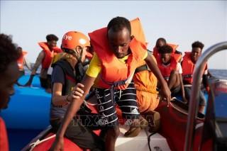 Giải cứu 108 người di cư ở ngoài khơi Libya