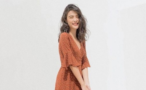 Váy chấm bi phong cách retro