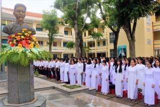 Trường THPT chuyên Thủ Khoa Nghĩa khai giảng năm học mới