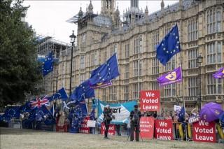 'Mớ bòng bong' Brexit