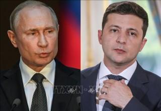 Tổng thống Nga và Ukraine thảo luận việc tổ chức hòa đàm