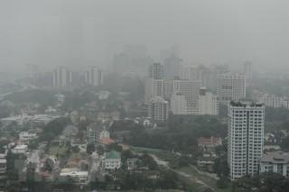 Cháy rừng dữ dội, người dân Indonesia cầu mưa trong khói mù
