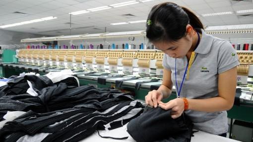 """Xuất khẩu 8 tháng: Doanh nghiệp nội tiếp tục """"vượt mặt"""" khối FDI"""