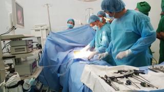 Phẫu thuật nội soi cứu sống bé gái 9 ngày tuổi bị thoát vị cơ hoành bẩm sinh