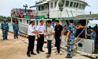 Hải quân đảo Sinh Tồn hỗ trợ 46 ngư dân lâm nạn ở vùng biển Trường Sa