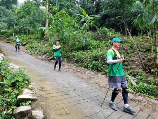 Marathon lên núi Cấm