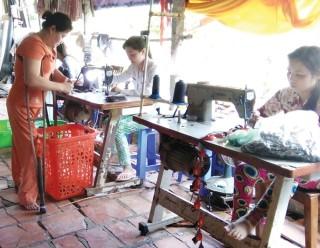 Nghị lực người phụ nữ khuyết tật vượt lên số phận