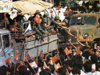 """30 năm """"đội quân nhà phật"""" hoàn thành nghĩa vụ tại Campuchia"""