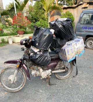 Bắt giữ môtô vận chuyển hàng cấm