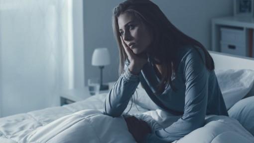 Bạn có hay bị thức giấc giữa đêm không? Hãy thử những điều sau