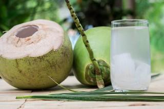 Nước dừa giúp giải nhiệt, giảm huyết áp tuyệt vời