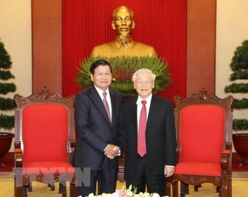 Báo chí Lào đưa tin đậm nét về chuyến thăm Việt Nam của Thủ tướng