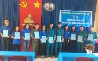 Thêm đội hình thanh niên tình nguyện ở Phú Tân tham gia đảm bảo an toàn giao thông