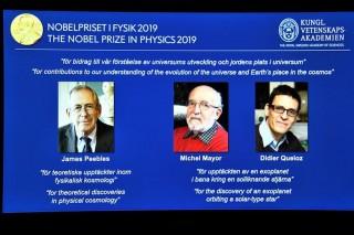 Nobel Vật lý 2019 và sự tiến hóa của vũ trụ