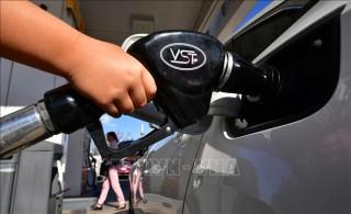 Giá dầu châu Á tăng 2% trong phiên đầu tuần