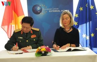 Việt Nam và EU ký kết Hiệp định về hợp tác quốc phòng
