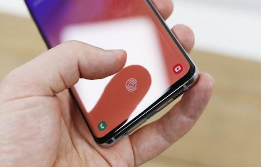 Samsung làm rõ lỗ hổng bảo mật sử dụng vân tay để mở khóa Galaxy S10