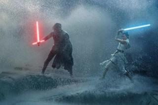 Phần 9 'Star Wars' vượt mặt 'Avengers: Endgame' về lượng vé đặt trước