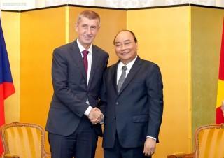 Thủ tướng gặp song phương lãnh đạo một số nước