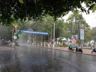 Chủ động ứng phó mưa giông, lốc xoáy