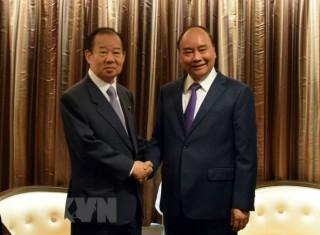 Thủ tướng Nguyễn Xuân Phúc tiếp Tổng Thư ký đảng LDP của Nhật Bản