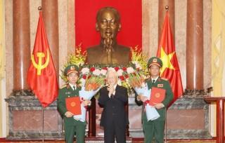 Trao quyết định thăng quân hàm Thượng tướng cho hai sỹ quan quân đội