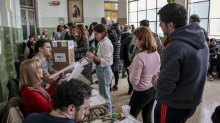 Bầu cử Argentina: Chính quyền đương nhiệm điêu đứng vì kinh tế suy thoái