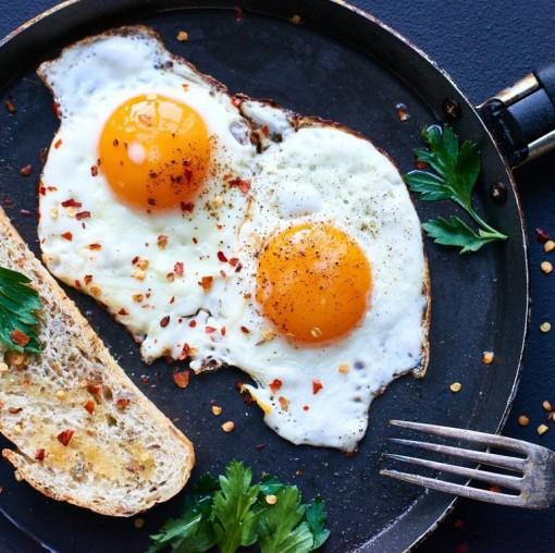 10 thực phẩm hàng đầu giúp mái tóc dày và bóng khỏe
