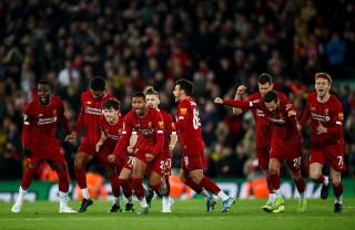 Liverpool loại Arsenal khỏi Cúp Liên đoàn sau 'đại tiệc' bàn thắng