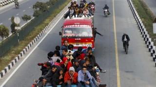 Nepal: Xe bus rơi xuống sông khiến 67 người thương vong