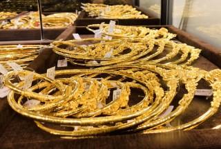 Giá vàng hôm nay 6-11, vào đợt giảm giá mạnh