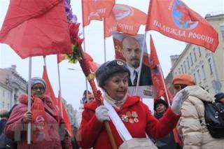 Tuần hành kỷ niệm 102 năm Cách mạng tháng Mười vĩ đại tại Moskva