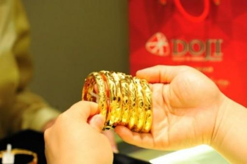 Giá vàng hôm nay 10-11, một tuần giảm mạnh