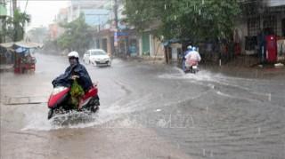 Áp thấp nhiệt đới suy yếu thành một vùng áp thấp và tan dần