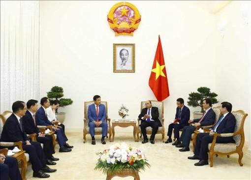 Thủ tướng Nguyễn Xuân Phúc tiếp Chủ tịch Tập đoàn Tài chính Hana, Hàn Quốc