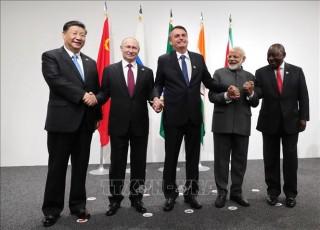 Chủ tịch Trung Quốc tới Brazil dự Hội nghị thượng đỉnh BRICS
