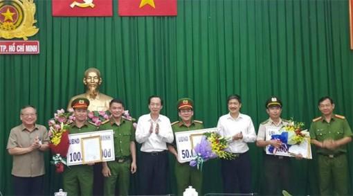 Lật tẩy hợp đồng thuê người chém mướn của nữ Việt kiều Úc