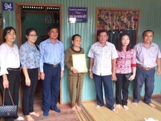 TP. Châu Đốc bàn giao 56 căn nhà Đại đoàn kết cho các hộ nghèo