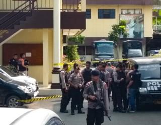 Indonesia bắt giữ 43 nghi can vụ đánh bom liều chết trên đảo Sumatra