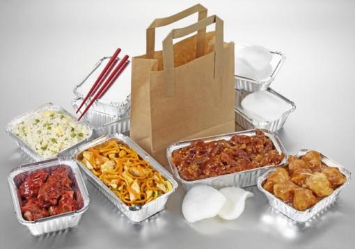 Tại sao không nên dùng đồ nhựa để đựng thức ăn nóng?