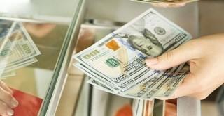 Bỏ quy định đổi một USD ở tiệm vàng phạt 100 triệu đồng
