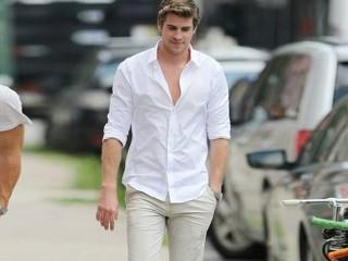 """Nam giới cứ mặc sơ mi trắng là """"auto đẹp"""""""
