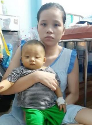 Bé trai 1 tuổi mắc bệnh nan y rất cần sự giúp đỡ