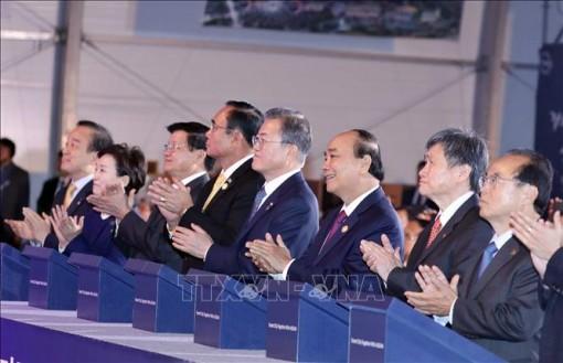 Thủ tướng Nguyễn Xuân Phúc dự Lễ động thổ xây dựng thành phố thông minh Eco-Delta Busan, Hàn Quốc
