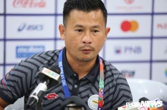 HLV U22 Brunei: 'Việt Nam quá mạnh, chúng tôi không cầm nổi bóng'